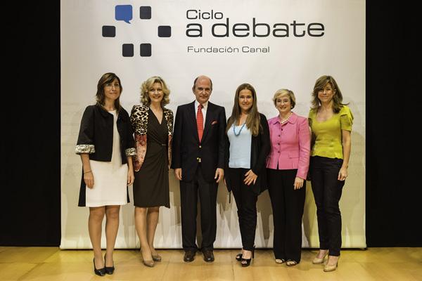 De izq a der: Nuria Vilanova, Krista Walochik, C. Rodríguez Braun, María Gómez del Pozuelo y Nuria Chinchilla.